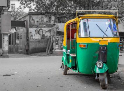 inidian rickshaw danger