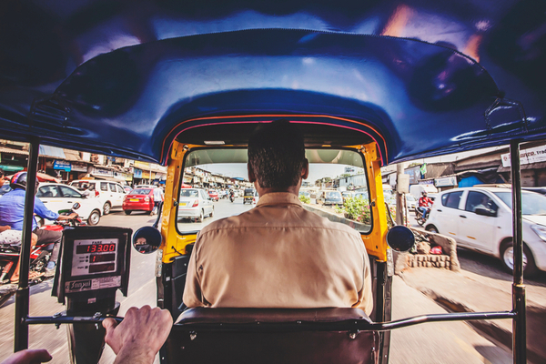 The Rickshaw Challenge – Drive a Auto Rickshaw Across India